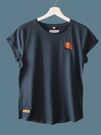 0E8E2980 A5D0 4444 B94D B8B360BA3BFE 1 105 c removebg preview 1 - Shirt für große Mädels