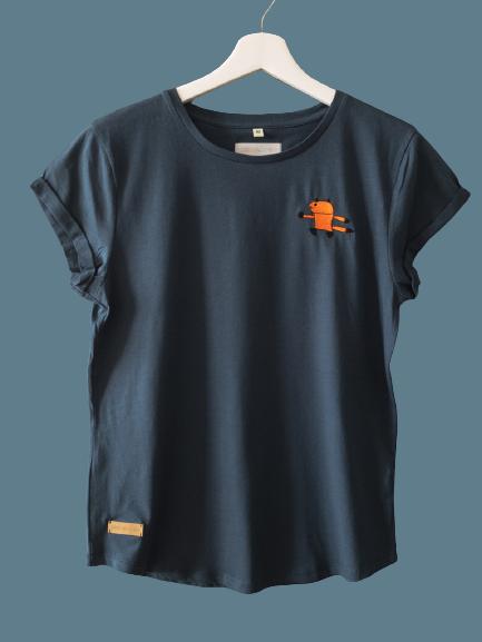 0E8E2980 A5D0 4444 B94D B8B360BA3BFE 1 105 c removebg preview - Shirt für große Mädels