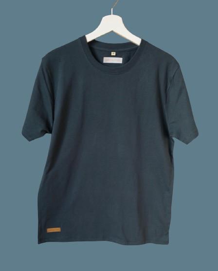 B22F6004 D7B0 4C18 9841 05E61B718DEA 1 105 c removebg preview 1 - Shirt unisex oder für große Jungs