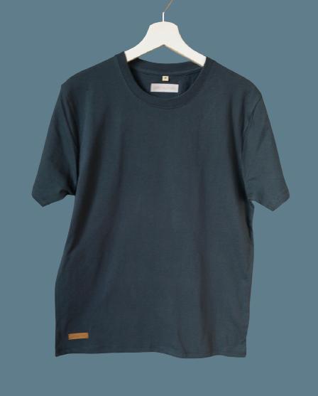 B22F6004 D7B0 4C18 9841 05E61B718DEA 1 105 c removebg preview - Shirt unisex oder für große Jungs