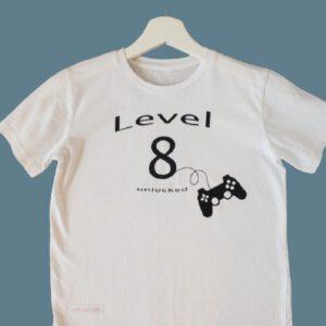 790EF175 4520 494F B834 42EBB62B2C12 1 105 c removebg preview 300x300 - Geburtstags-Shirt Level unlocked
