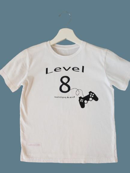 790EF175 4520 494F B834 42EBB62B2C12 1 105 c removebg preview - Geburtstags-Shirt Level unlocked
