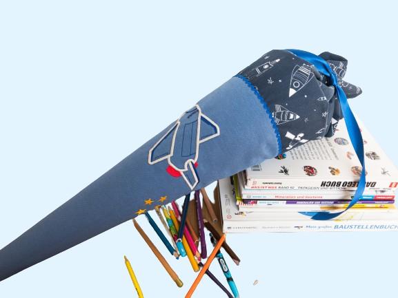 A2152889 229B 400A 92CB D106DA177F3E removebg preview 2 - Schultüte  70 cm groß - Space Shuttle  -individualisierbar